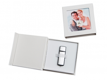 hochzeit usb box mit gummihalterung kunstleder weiss ohne usb stick hochzeit dvd cd usb blue. Black Bedroom Furniture Sets. Home Design Ideas